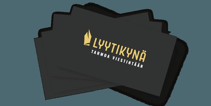 Läjä käyntikortteja, joissa on Viestintätoimisto Lyytikynän logo