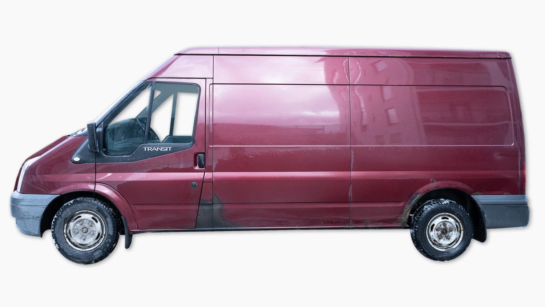 Kuva Pakunvuokraus.fi-yrityksen punaisesta pakettiautosta